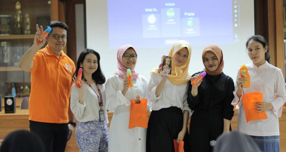 workshop ngelurusin Rambut di SMKN 57 Jakarta